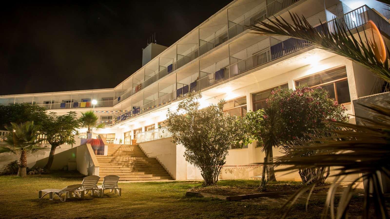 Hotel Carlos III en Alcanar - San Carlos de la Rápita - Delta del Ebro