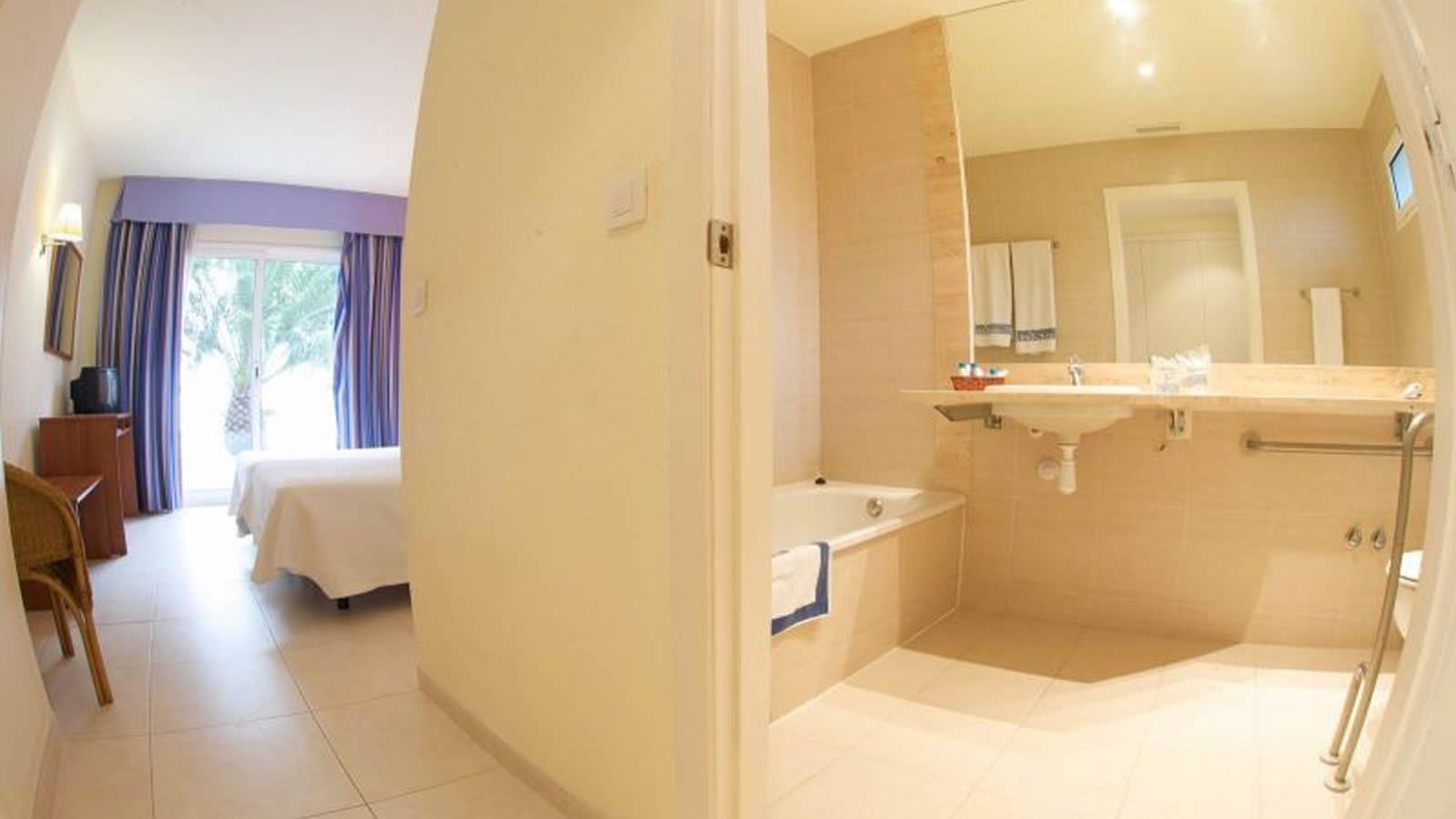 Chambres handicapés de l'Hotel Carlos Tercero a Alcanar- Sant Carles de la Ràpita- Delta de l'Ebre