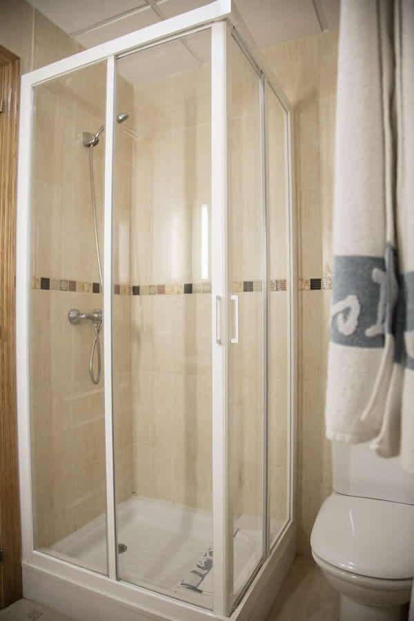 Calidades de los Apartamentos del Hotel Carlos III en Alcanar - San Carlos de la Rápita - Delta del Ebro