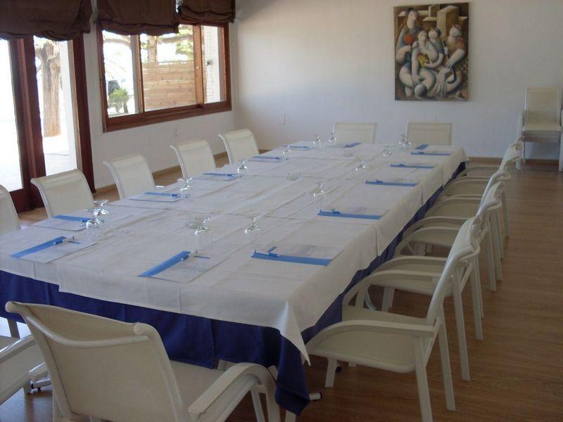 Accommodation for businesses in the Carlos III Hotel in Alcanar - San Carlos de la Rapita - the Ebro Delta