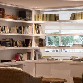 Biblioteca del Hotel  Carlos III en Alcanar - San Carlos de la Rápita - Delta del Ebro