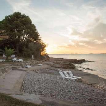 Cala al mar Mediterràni de l'Hotel Carlos III a Alcanar - Sant Carles de la Ràpita - Delta de l'Ebre